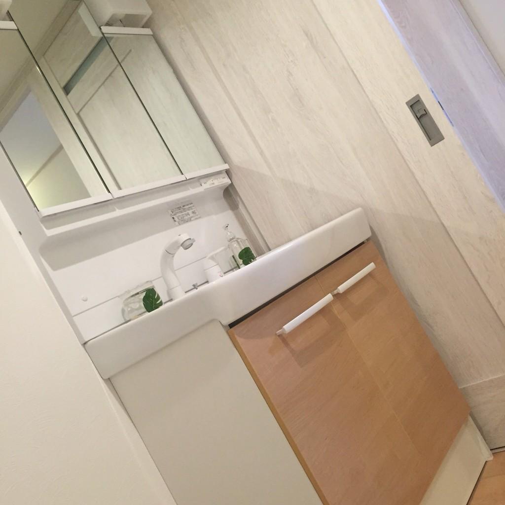 マンションのリフォーム 京都 広岡装美。魅力ある住空間として再生した、リノベーション&リフォーム マンションリフォーム。マンションリフォームの費用の相場・金額の目安のご紹介。キッチンや浴室・風呂、トイレ、外壁、屋根などのリフォームについて、戸建・マンション別にだいたいいくら位かかるのか?の疑問にお答えします。