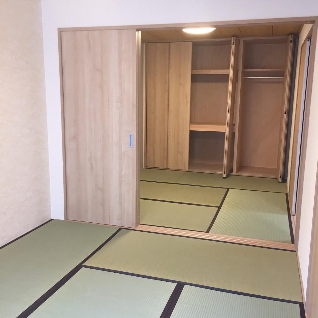マンションリフォーム 京都 (京都市) という言葉で検索して当店を見つけていただいてありがとうございます。マンションリフォーム 京都のマンションリフォーム・スケルトンリフォーム、デザインリフォーム、格安リフォームまでのマンションリフォームのコンシェルジュ、リフォーム専門店 広岡装美にお気軽にご相談下さい。